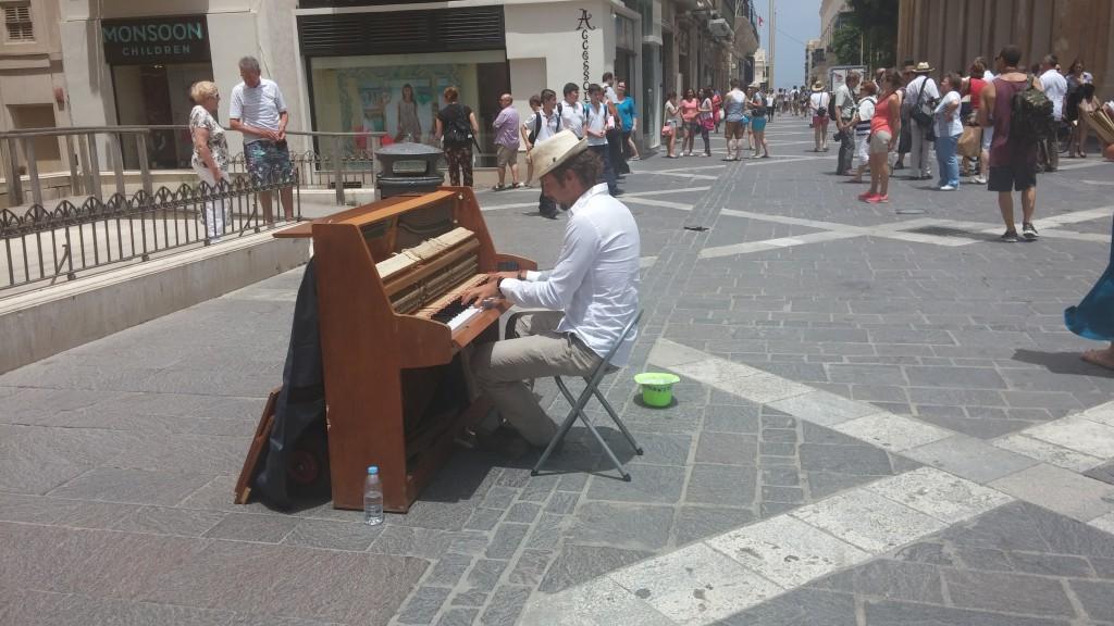 repubblica-street-malta-valletta
