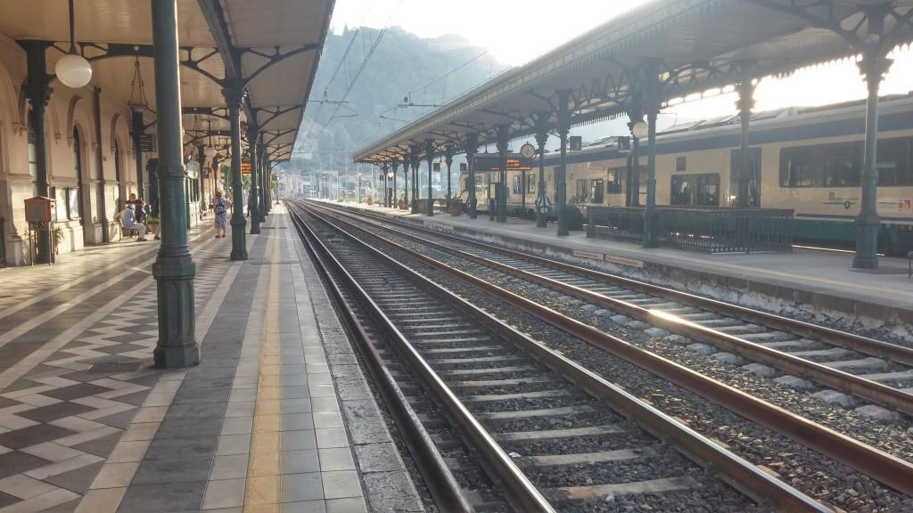 taormina-gardini-naxos-tren-istasyonu